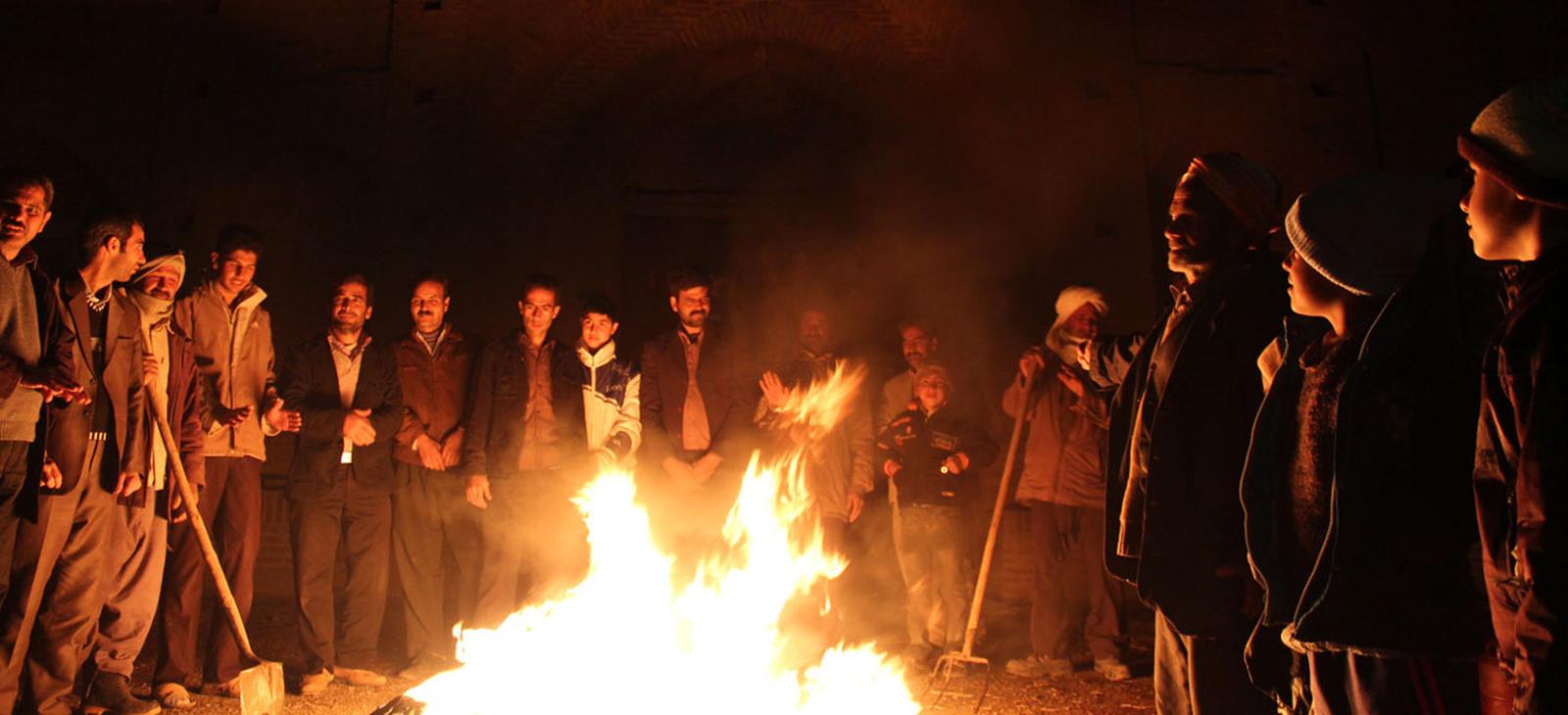 قصه ها و افسانه هایی که در شب نشینی کنار آتش بازگو می شود